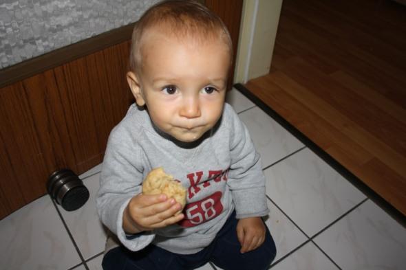 Max isst Keks