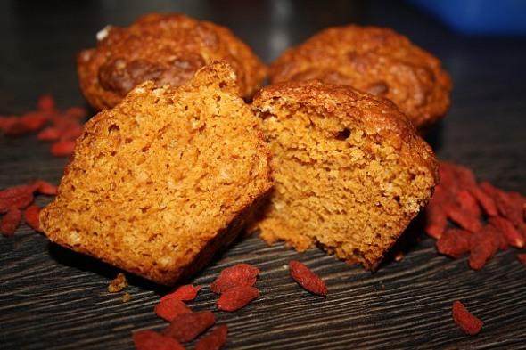 Goji Muffins